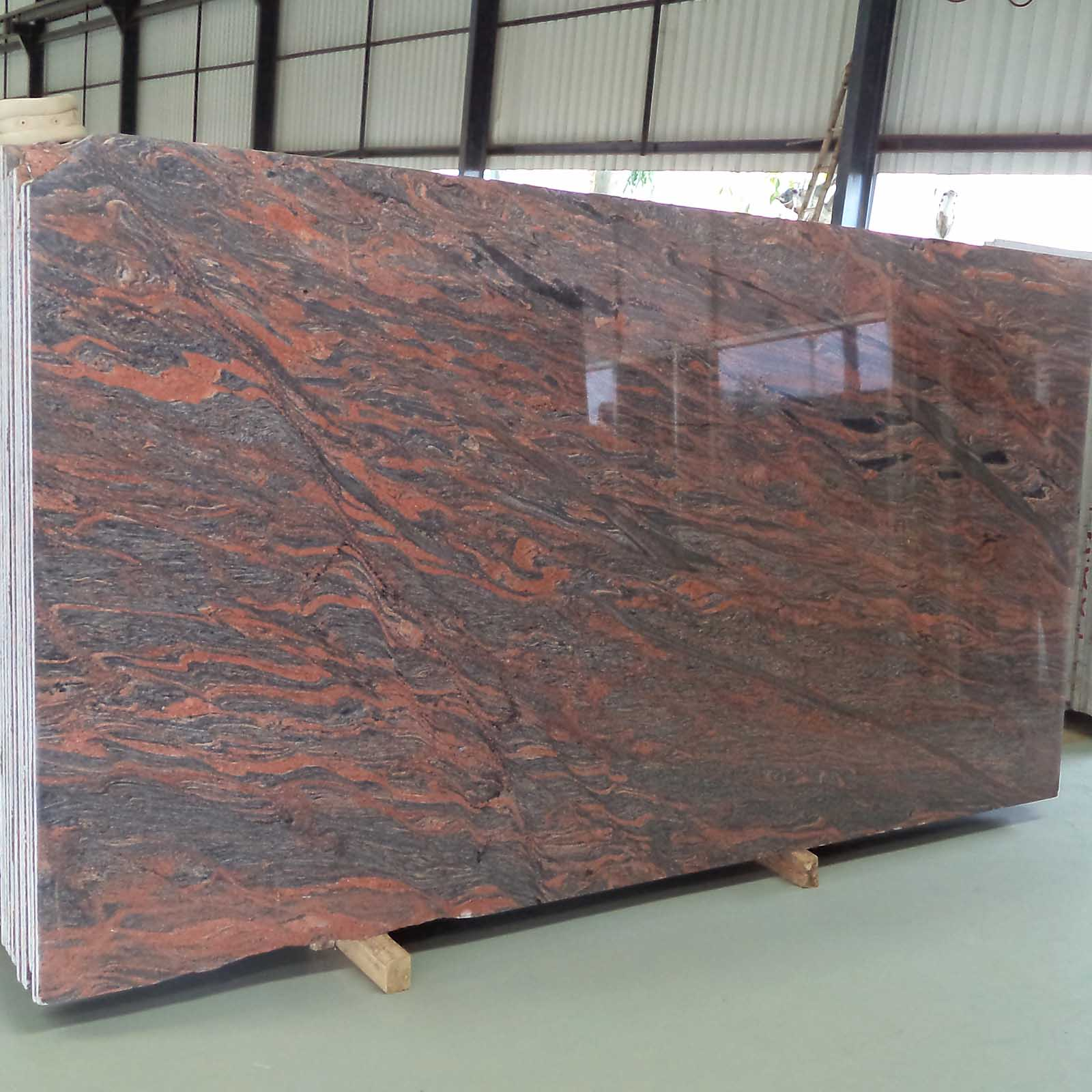 Smoka red granite gangsaw slab supplier