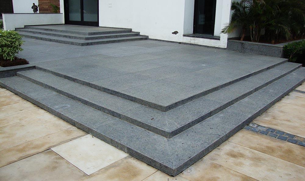Steel Grey granite (flamed & brushed)