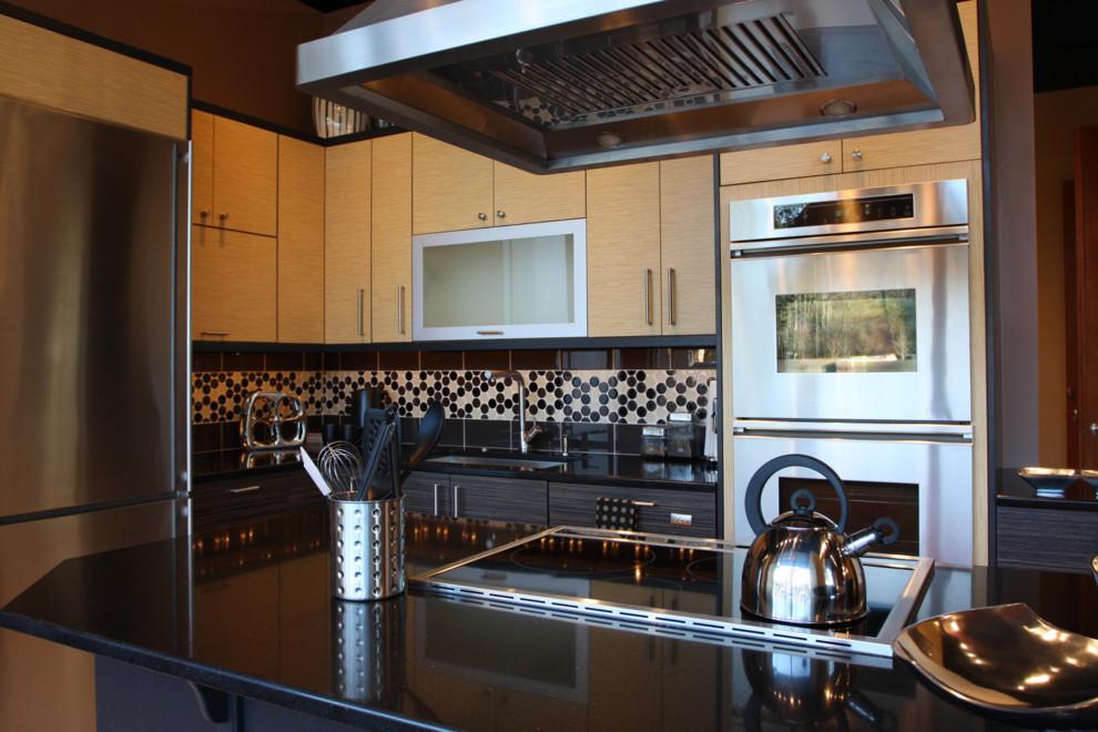black-galaxy-granite-countertop-Kitchen-Contemporary