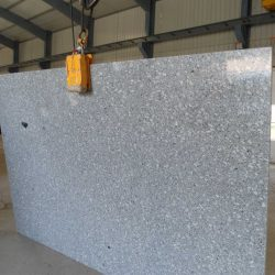 P. White gangsw slabs 250x160cm up x 3cm